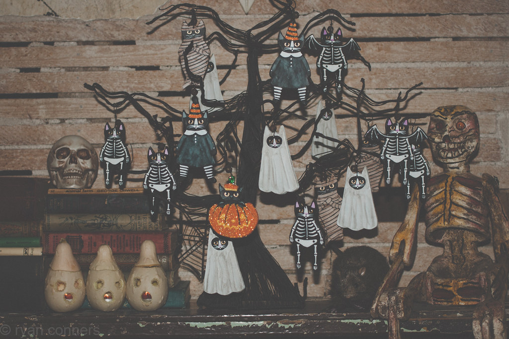 haloween ornaments